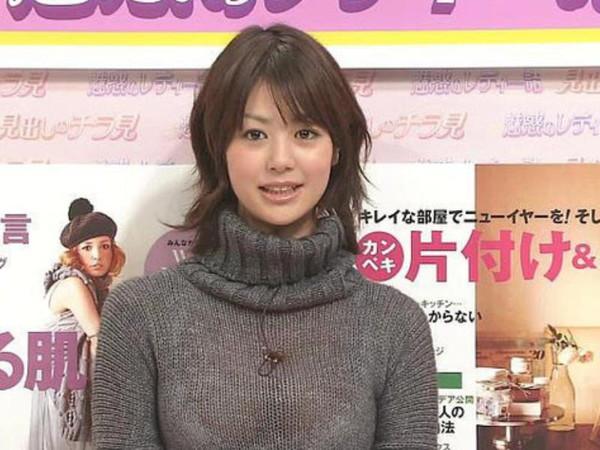 【放送事故画像】女子アナのパンチラや胸ちら総集編wエロすぎですwww 21