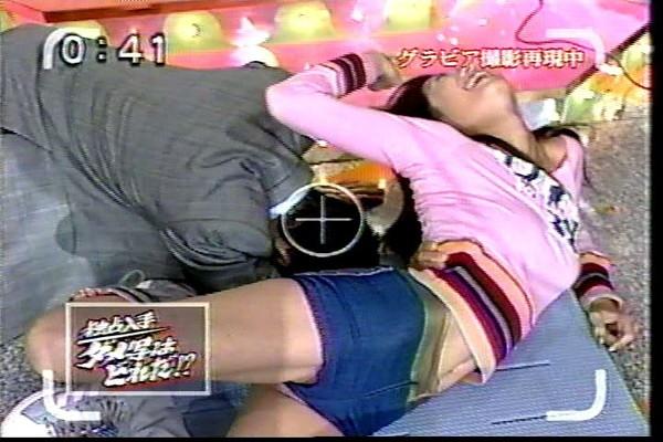 【放送事故画像】エロい太ももテレビで映すからその太ももにチンコ擦りつけたくなってきたwww 09