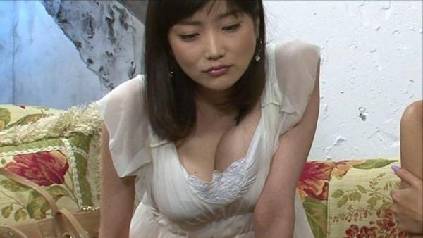 【放送事故画像】やたらとテレビでオッパイ強調したがる女達がこいつらだwww 21