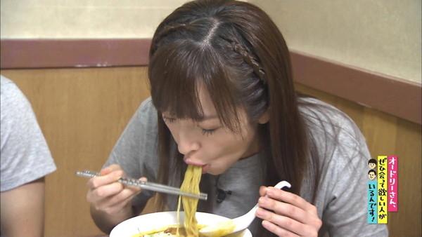 【放送事故画像】そんな顔して食べてたらまるでチンコ咥えてるみたいですよwww 08