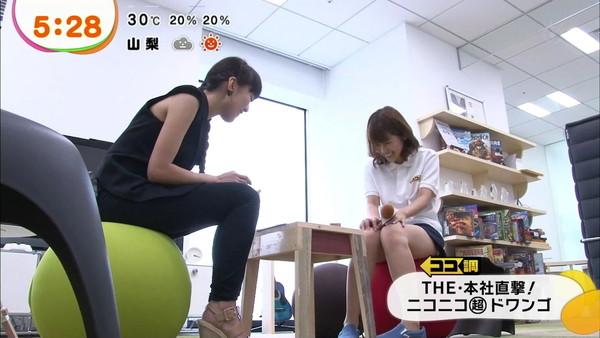 【放送事故画像】女子アナやアイドルの太ももってテレビで見られるだけあってエロいよなww 07