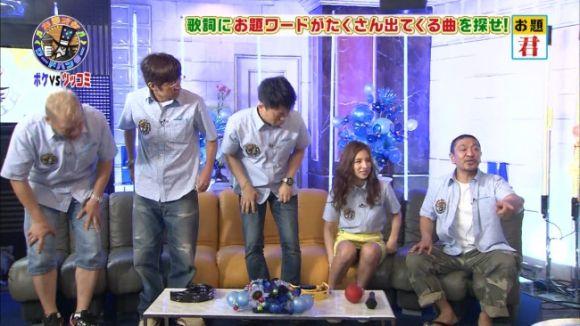 【放送事故画像】この一瞬を見逃すな!女子アナやアイドルの見せる一瞬のパンチラ! 09