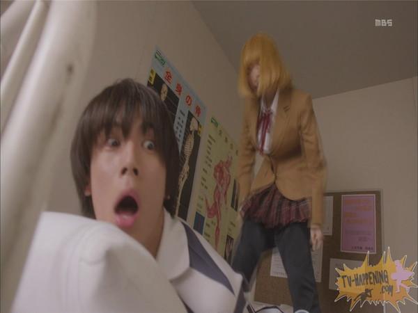 【お宝エロ画像】監獄学園第4話!まさか、脱衣からの聖水シーンまでやっちゃう!? 23