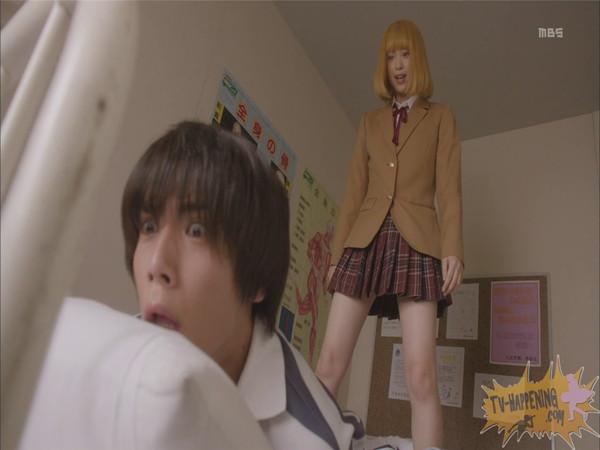 【お宝エロ画像】監獄学園第4話!まさか、脱衣からの聖水シーンまでやっちゃう!? 25