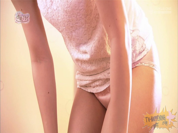 【放送事故画像】もしやパイパン?温泉に行こうに出た女性がパイパンっぽいので際どいシーンがやばいww 05