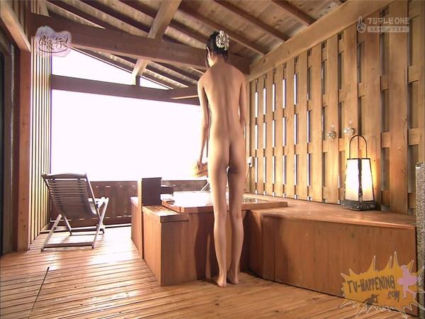 【放送事故画像】もしやパイパン?温泉に行こうに出た女性がパイパンっぽいので際どいシーンがやばいww 19