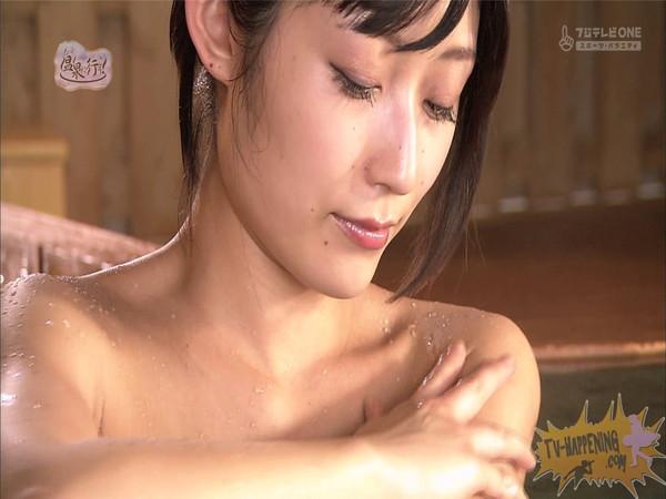 【放送事故画像】もしやパイパン?温泉に行こうに出た女性がパイパンっぽいので際どいシーンがやばいww 25