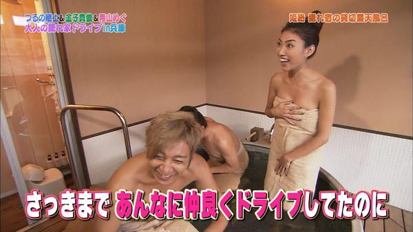 【放送事故画像】濡れた体と一枚のバスタオルがエロく見える、温泉美人たちww 05