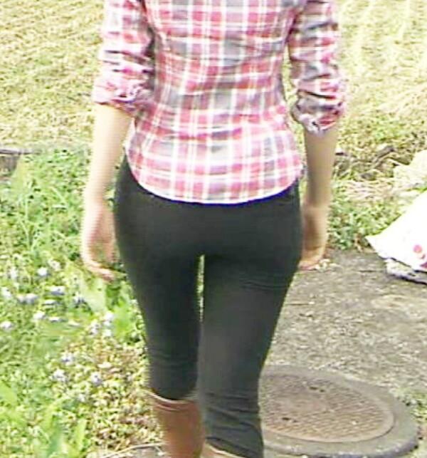 【放送事故画像】オッパイより先に揉みたくなるお尻の女達www 19