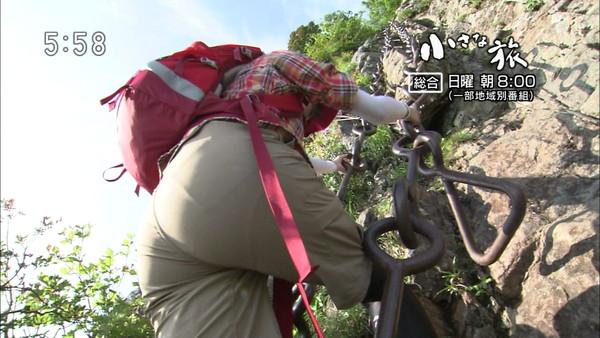 【放送事故画像】テレビで見せるプリップリのお尻女達がエロくてたまらんwww 12