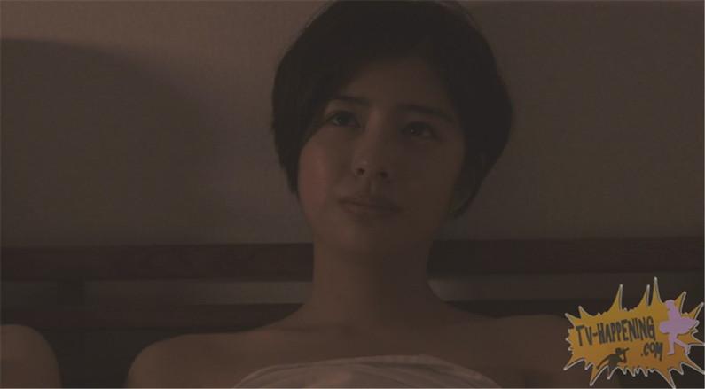 【お宝画像】トランジットガールズで遂にレズのベッドシーンか!?w 09