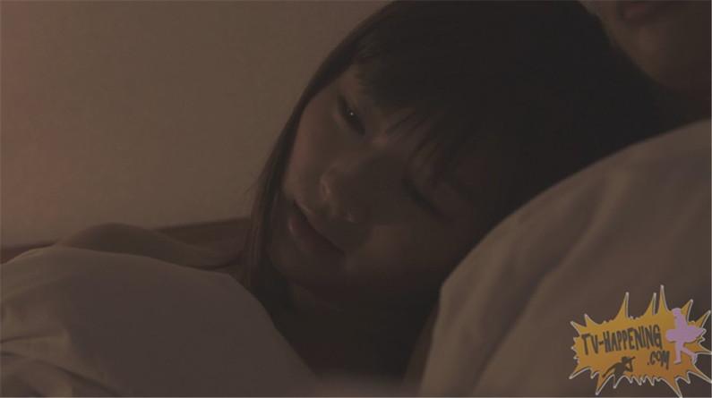 【お宝画像】トランジットガールズで遂にレズのベッドシーンか!?w 17