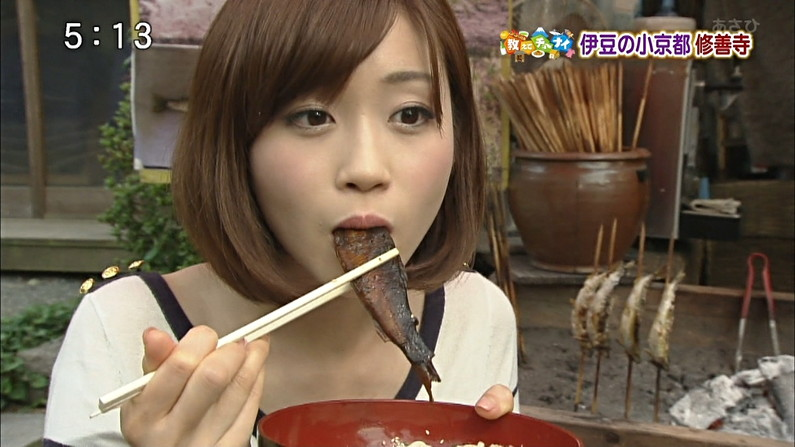 【放送事故画像】この女達は完全に狙ってこんな食べ方してるんだろうなww 14