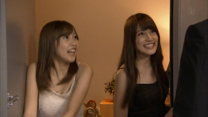 【放送事故画像】テレビに集う柔らかそうなマシュマロオッパイの女達ww 14