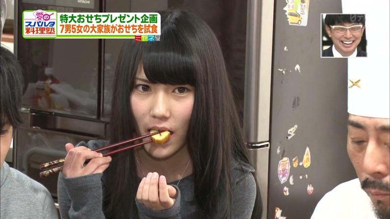 【疑似フェラ画像】食べ方一つでエロさが伝わってくる女子アナやタレントのフェラ顔ww 03
