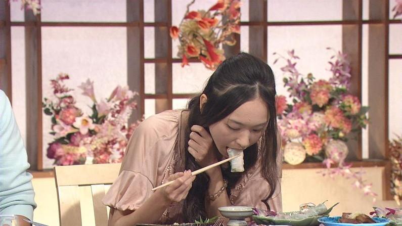 【疑似フェラ画像】食べ方一つでエロさが伝わってくる女子アナやタレントのフェラ顔ww 13