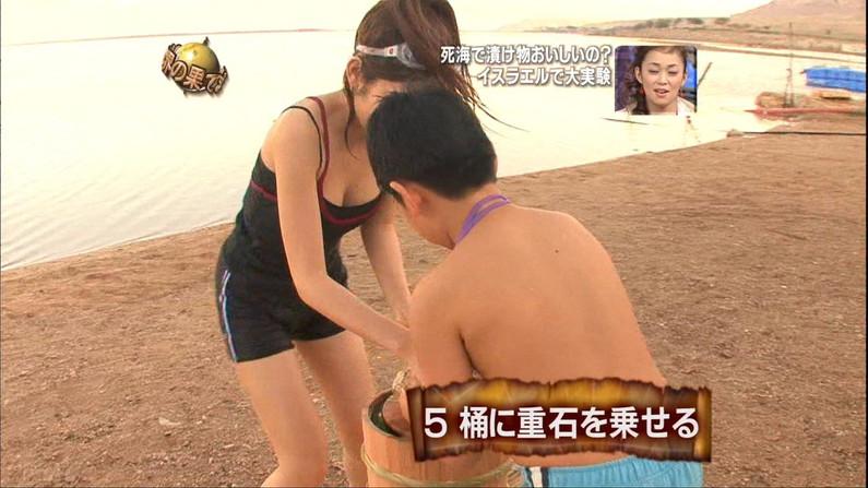 【放送事故画像】やっぱりオッパイ大きい女のビキニ姿破壊力あるよなwww 08