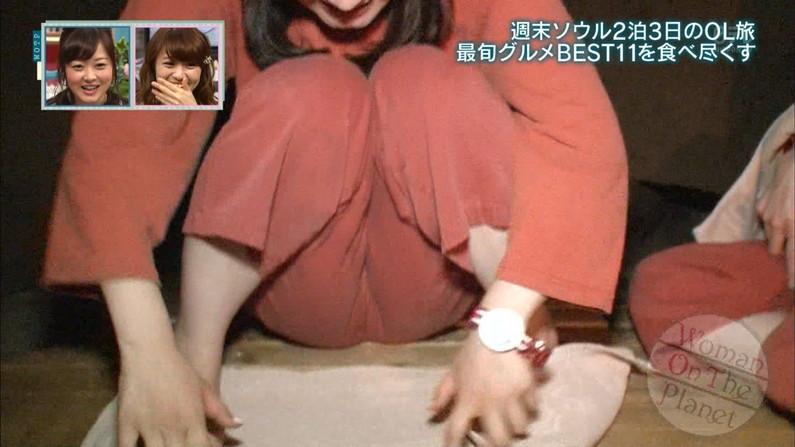 【放送事故画像】テレビ見てたらマンコの真ん中にビシッと縦線が食い込んでんのよwww 12