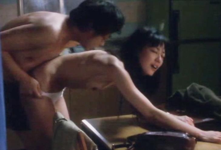 【お宝エロ画像】乳首まで惜しみなくさらけ出し渾身のエロ演技を演じる女優たちww 15