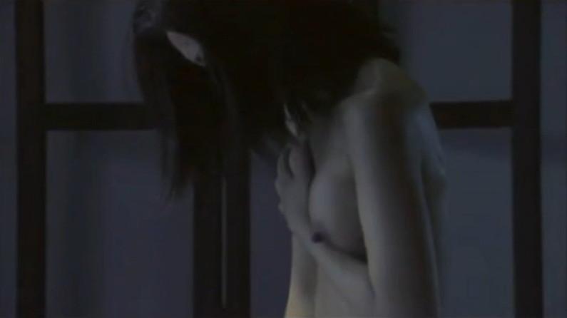 【お宝エロ画像】乳首まで惜しみなくさらけ出し渾身のエロ演技を演じる女優たちww 16