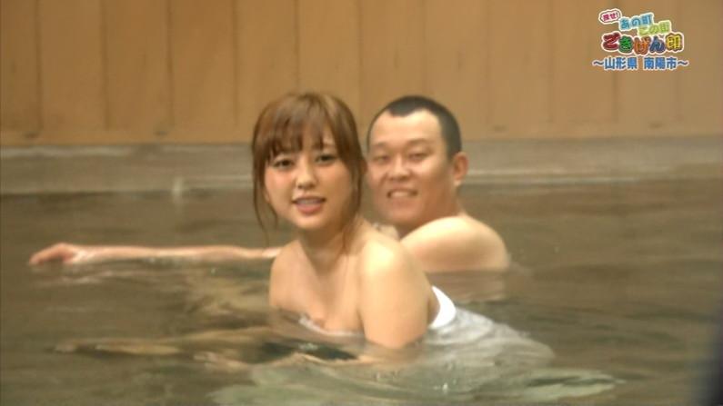 【放送事故画像】バスタオルの巻き方が余計エロく見えちゃう女子アナやアイドルの入浴シーンww 08