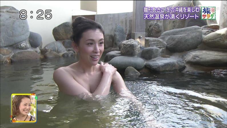 【放送事故画像】バスタオルの巻き方が余計エロく見えちゃう女子アナやアイドルの入浴シーンww 18