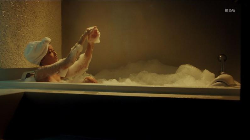 【放送事故画像】こんな女の子と俺も温泉入って温まりながらイチャイチャしたいww 12