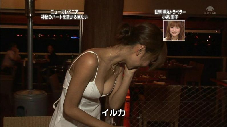 【放送事故画像】見せパンならぬ見せ乳か?テレビで胸ちらし過ぎでしょwww