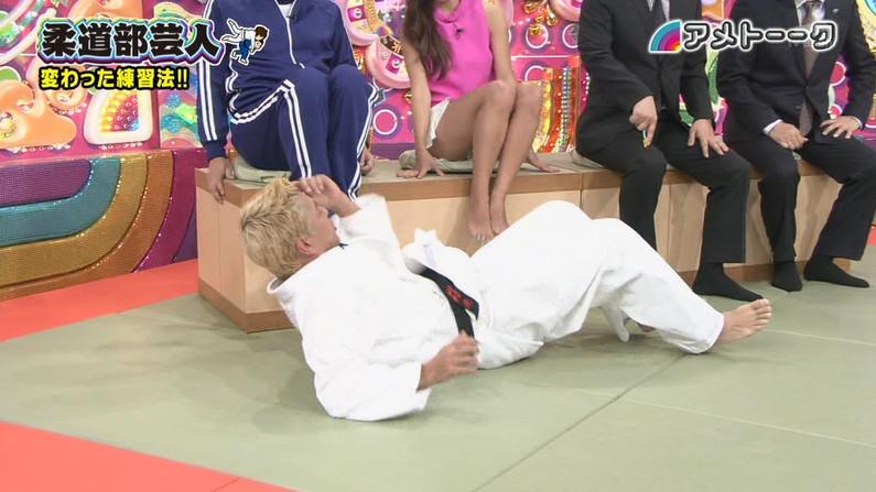 【放送事故画像】足が綺麗な女の人ってエロかっこよくない?www 16