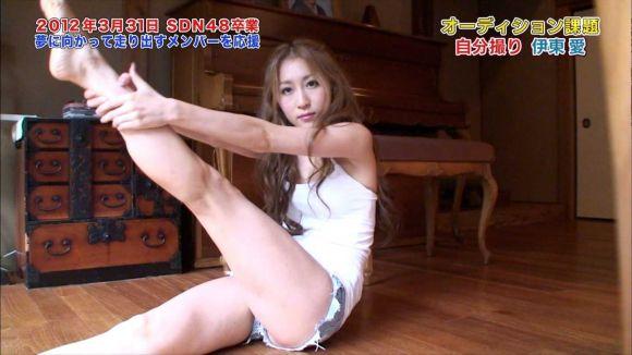 【放送事故画像】足が綺麗な女の人ってエロかっこよくない?www 24