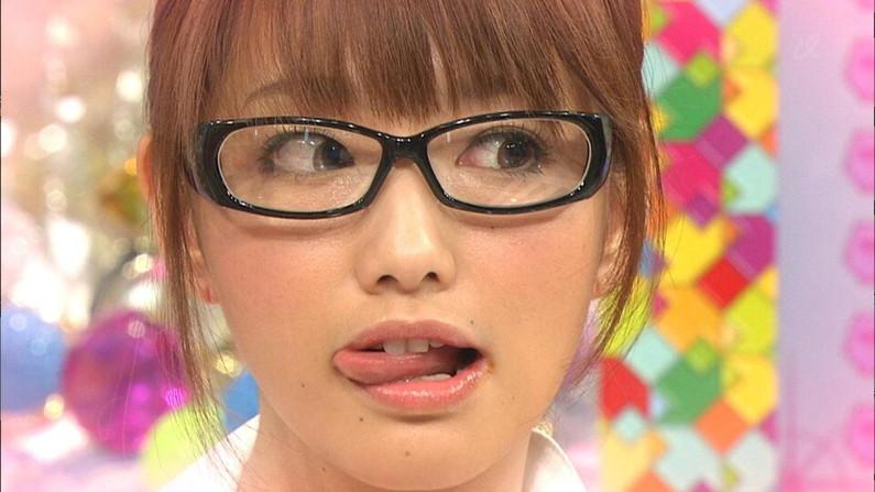【放送事故画像】テレビ越しだけど、思わず吸い付きたくなるエロいクチビル! 11