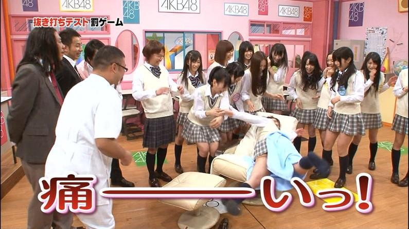 【放送事故画像】ちょっとだけよ~!ムチムチ太もも露出さして男を虜にする女性タレント達ww 24