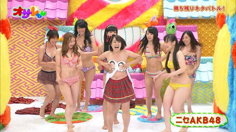 【放送事故画像】水着とかいう局部しか隠さないエロい姿でテレビに映る女達www 02
