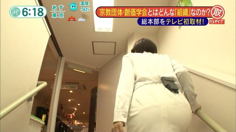 【放送事故画像】触りたい、揉みたい、擦り付けたいテレビに映ったお尻www 09