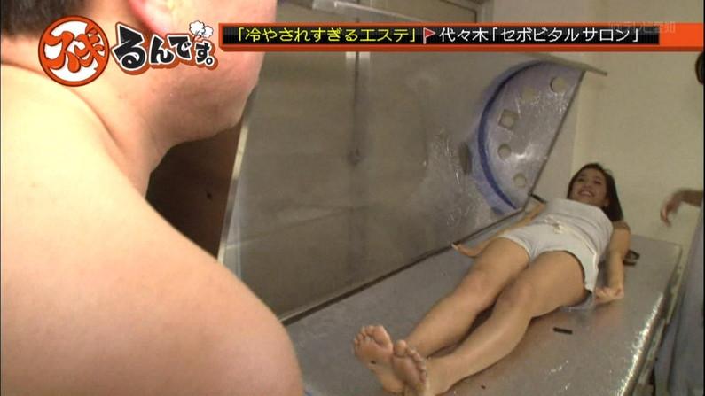 【放送事故画像】臭そうな足の裏だけど、美人だったらちょっと臭ってみたいマニアな画像集www 24