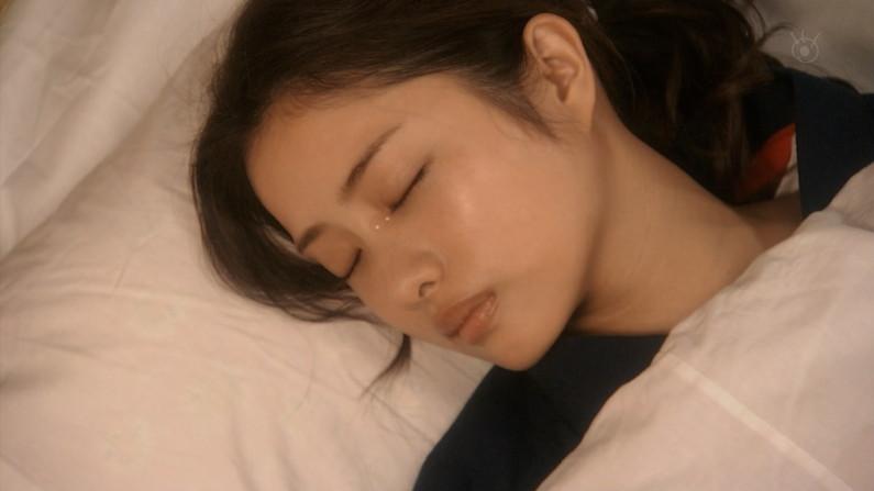 【放送事故画像】思わず悪戯したくなるような超可愛い寝顔に癒されたくないか? 24