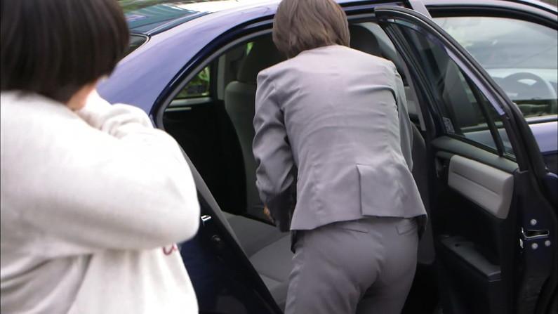 【放送事故画像】女の武器はオッパイだけじゃない!見てくれこのエロい尻をww 02