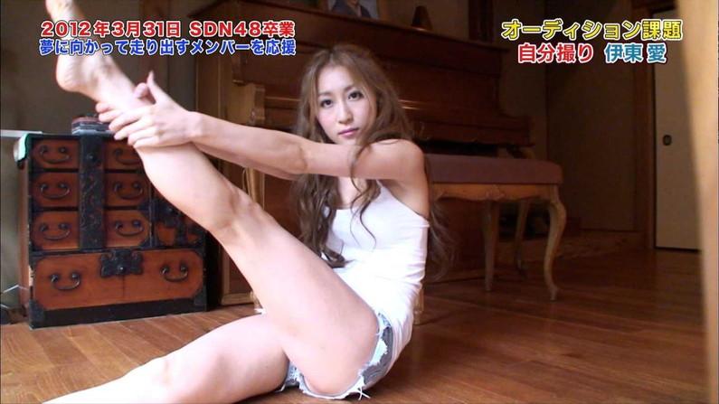 【放送事故画像】このムチムチでエロい足を舐め回したくならないかい?ww