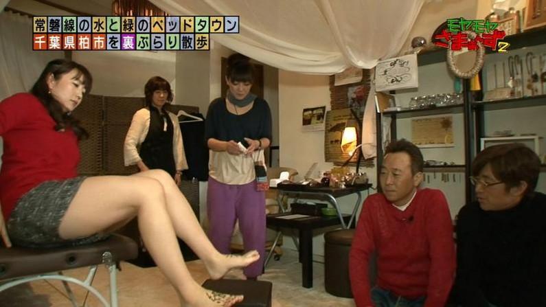 【放送事故画像】このムチムチでエロい足を舐め回したくならないかい?ww 06