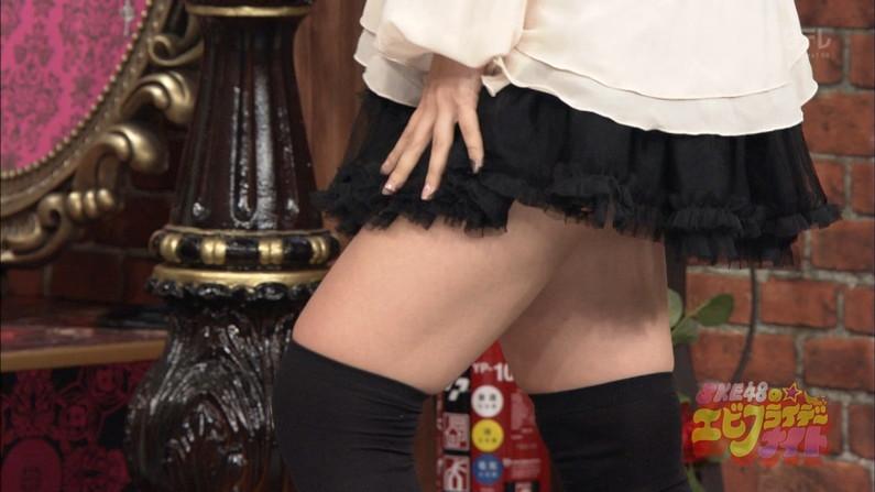 【放送事故画像】このムチムチでエロい足を舐め回したくならないかい?ww 21