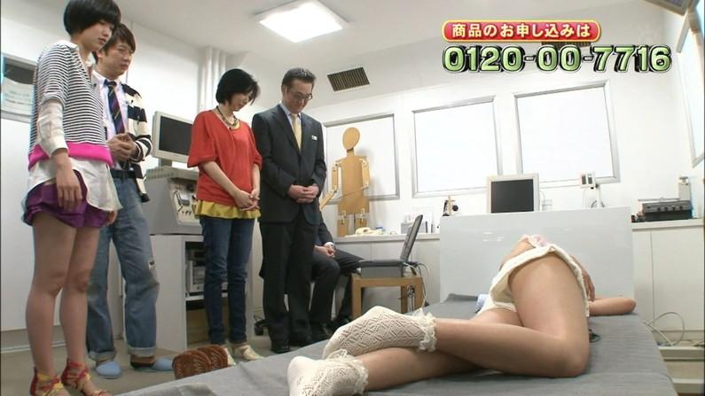 【放送事故画像】このムチムチでエロい足を舐め回したくならないかい?ww 23