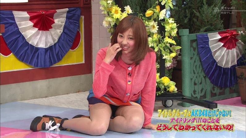 【放送事故画像】ムチムチ太股見てると段々ムラムラしてくるタレントの美脚!! 11