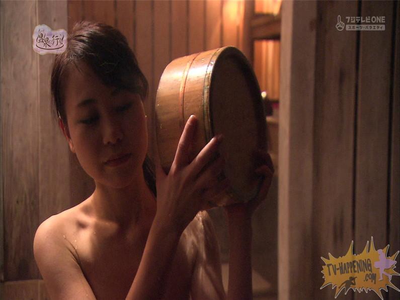 【お宝エロ画像】最近エロいと評判の「もっと温泉に行こう!」バスタオルなしで女の全裸入浴見放題ww 29
