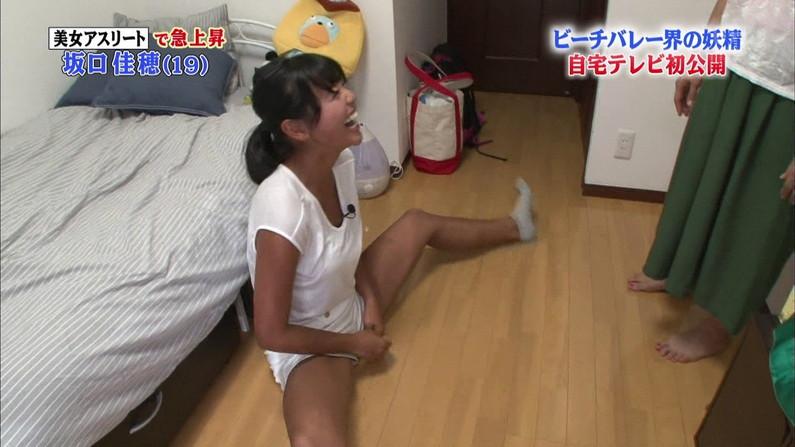 【放送事故画像】テレビで思いっきり開脚した結果股関節の隙間から黒い物がwww 06