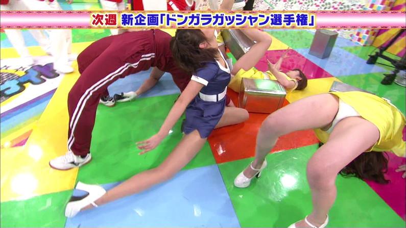 【放送事故画像】テレビで思いっきり開脚した結果股関節の隙間から黒い物がwww 22