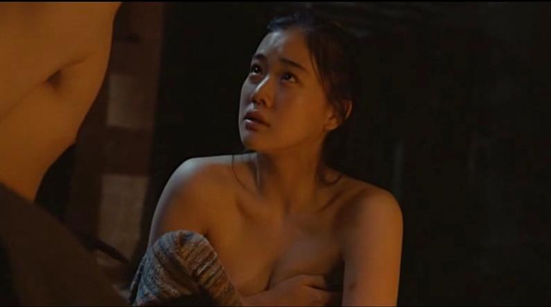 【お宝濡れ場画像】女優達が全裸で演ずる濡れ場のシーンが過激すぎて勃起不可避な件ww 06