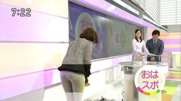 【放送事故画像】お尻が一番エロい女子アナは誰だ?wピタパンでパン線くっきりww 03
