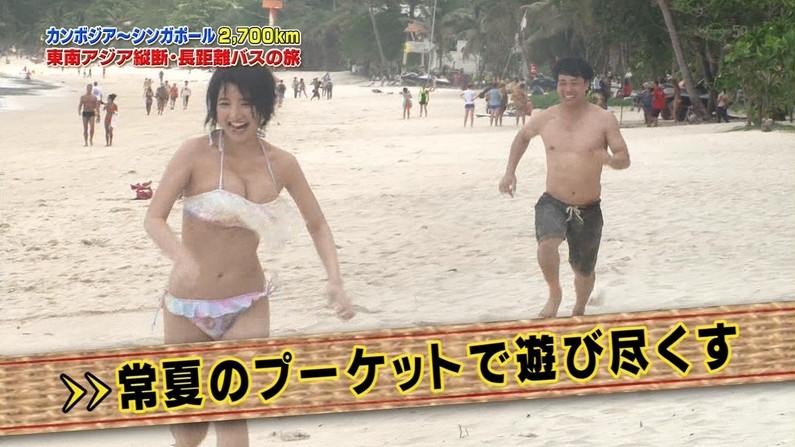 【放送事故画像】テレビに映る水着に収まりきってないオッパイからポロリを期待してなにが悪い?ww 20