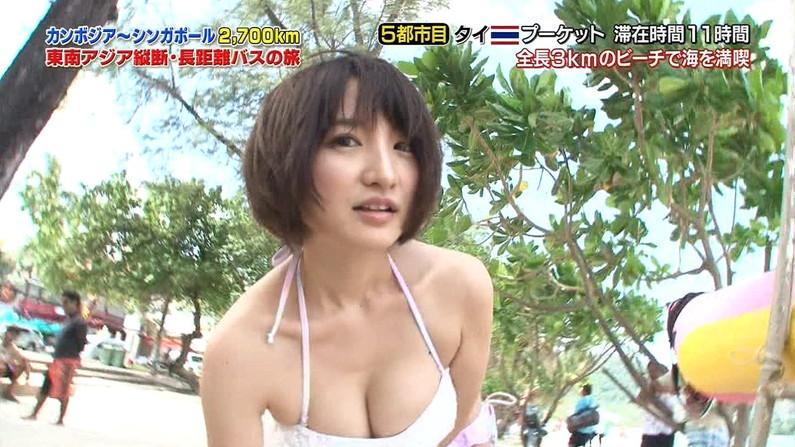 【放送事故画像】テレビに映る水着に収まりきってないオッパイからポロリを期待してなにが悪い?ww 21
