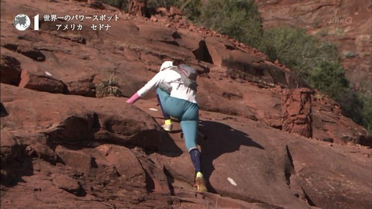 【放送事故画像】女子アナのピタパンお尻を見てたら勃起が収まらなくなってどぉしようもない件w